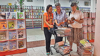 Book buying in Phnom Penh with Meas Siphen