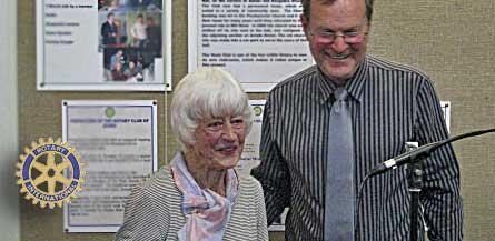 Ngaire Lutz receives Paul Harris award from Graham Carthew