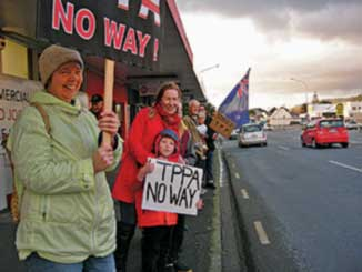 TPPA protestors get a warm reception in Paraparaumu